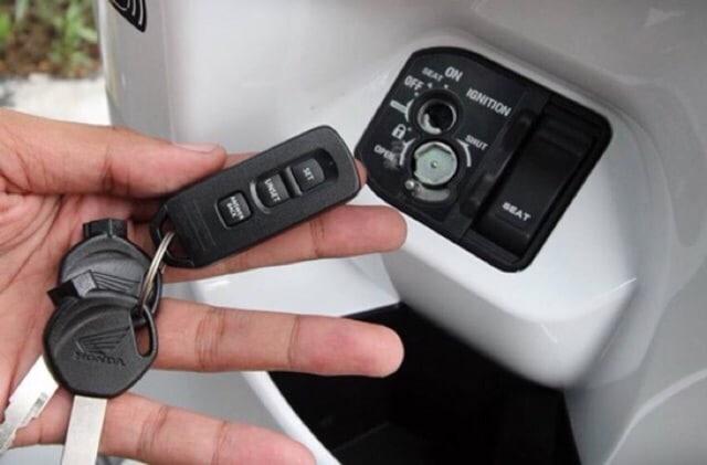 Bao silicone bảo vệ chìa khoá thông minh Honda PCX Vario 125 3 nút | Shopee  Việt Nam