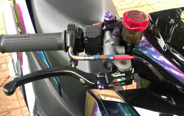 Hệ thống phanh cùm độ Brembo RCS 19 mang đến sự nhẹ nhàng cho người lái khi sử dụng phanh