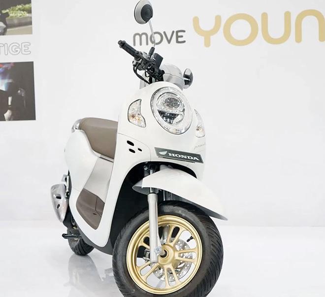 Honda Scoopy 2021 nhập về Việt Nam giá bán bao nhiêu tiền? - 1