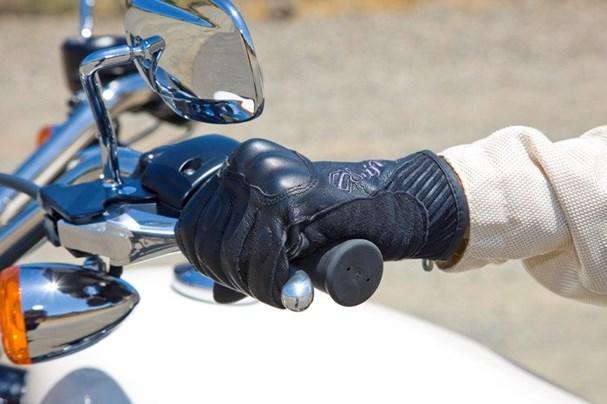6 lưu ý cho người mới chạy xe côn tay