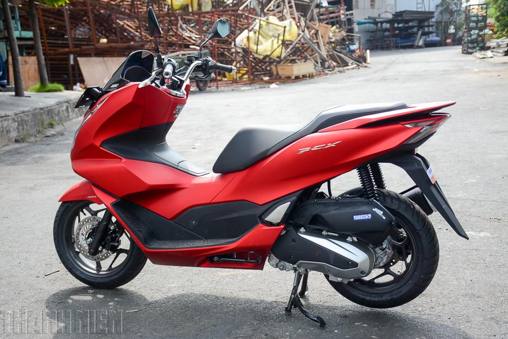 giá xe Honda PCX 160 nhập khẩu 2021