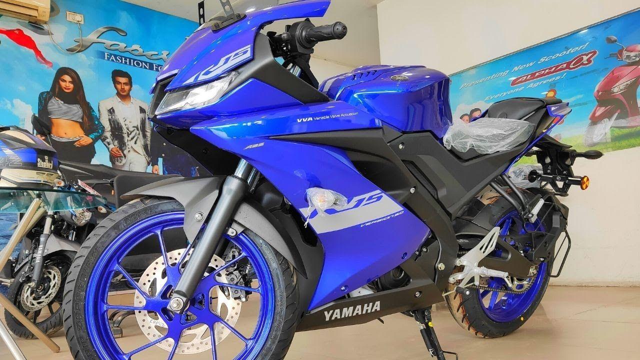 giá xe R15 2021